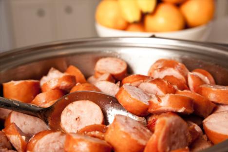 2.Kurban bayramında yapılması gelenek haline gelmiş olan kavurmalar, içine tereyağı ve kuyruk yağı konulmadan, kendi suyu ile kısık ateşte pişirilmeli. Etin içeriğinde bulunan yağ, yemeğin lezzeti için yeterli olduğundan ayrıca yağ eklemeye gerek yoktur.