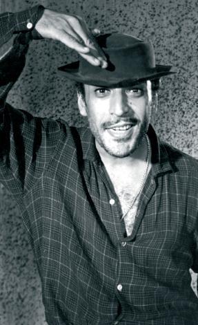 SADRİ ALIŞIK  Türk sinemasının unutulmaz aktörü Sadri Alışık, 60'ların ikinci yarısında Saner Film'e çektiği 'Turist Ömer' serisiyle Türkiye'nin sevgilisi oldu.