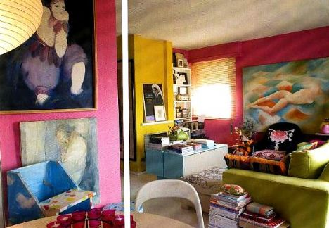 Yemek odası  Yemek odasının duvarlarını Armanda Passos, Antonio Fernando, Helena Abreue ve Peter Carlson'un resimleri süslüyor. Çift, evde yer alan Joao Penalva'nın iki tablosunun onlar için çok önemli olduğunu bu yüzden onlara hayat boyu arkadaşlık edeceklerini söylüyor.