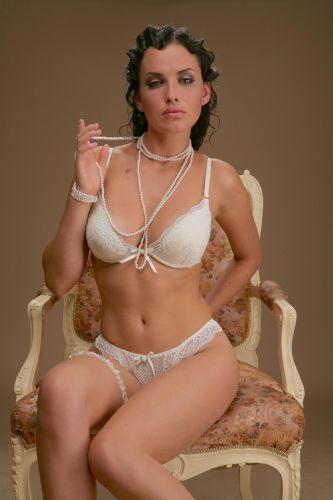 Kendra Wilkinson - 68