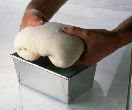 İnstant maya   Granül yapıya sahip instant maya, hemen çözülebilir oluşuyla kullanımı da oldukça pratiktir.  Kullanım şekli: Maya, una eklenerek kullanılır.