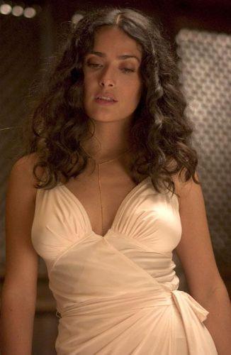 SALMA HAYEK, Meksika - En seksi olduğu an: After the Sunset (2004)