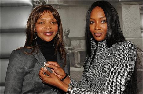 Naomi Campbell ve annesi Valerie