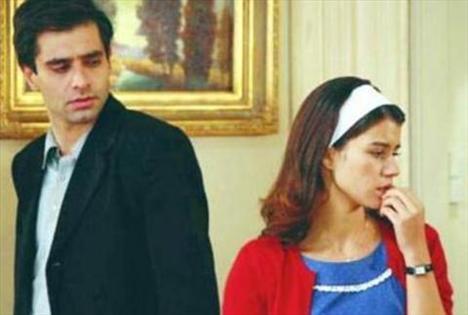 Daha sonra Giritlioğlu'nun projesi olan Hatırla Sevgili adlı dizide kalabalık ve güçlü bir kadro ile birlikte kamera karşısına geçti.