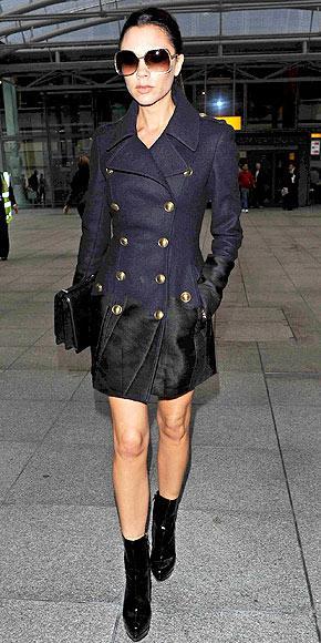 Victoria Beckham'ın iki renkli paltosu