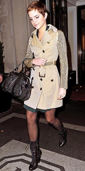 Emma Watson'ın zımbalı paltosu