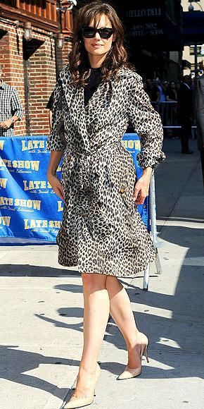 Katie Holmes'un zebra desenli paltosu