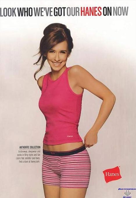 Jennifer Love Hewitt  Ghost Whisperer'la yıldızı parlayan Jennifer Love Hewitt, 2006'da markanın rahat iç çamaşırlarının modelliğini yapması için Hanes tarafından tercih edilmişti.