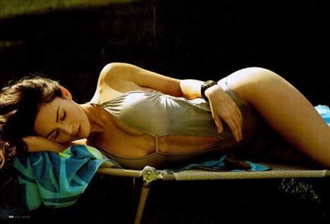 Megan Fox  Megan Fox, Emporio Armani'nin yeni yüzü olmak ve Victoria Beckham'ın yerine geçmek için imza attı.