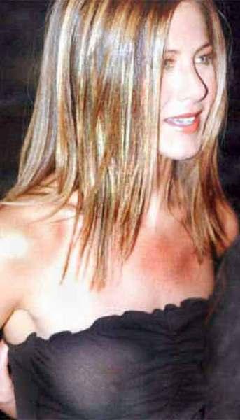 Jennifer Aniston transparan