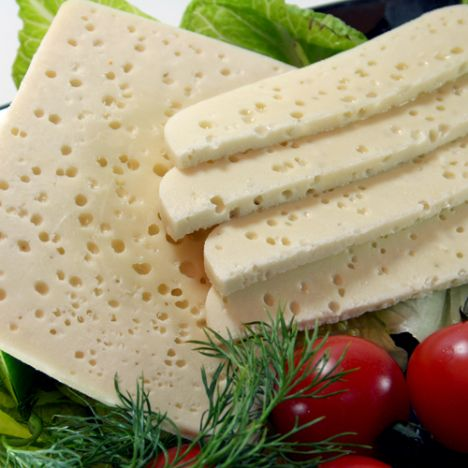 Mihaliç peyniri:   Tam yağlı, çiğ kıvırcık koyun sütünden yapılan, iri gözenekli, sert ve tuzlu bir peynirdir. Türk peynirlerinin şahı olarak adlandırılan mihaliç peyniri, kahvaltıların yanı sıra erişte, makarna ve hamur işlerine lezzet verir.