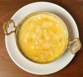 Trabzon Koleti peyniri:   Karadeniz bölgesinde yağsız inek sütünden pide biçiminde üretilen peynirdir. Mıhlama ve kahvaltılarda kullanılır.