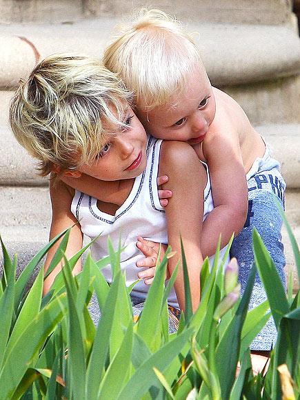 Gwen Stefani'nin oğulları 4 yaşındaki Kingston ve 2 yaşındaki Zuma.