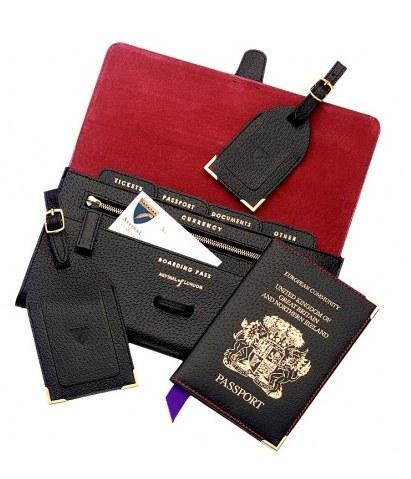 Aspinal siyah deri ve kırmızı süetten yapılmış pasaport ve bilet seti