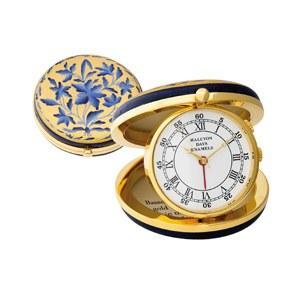 Halcyon Days seyahatler için tasarlanmış saat