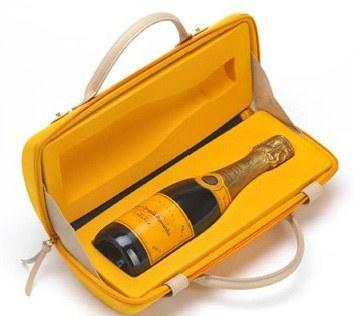 Veuve Clicquot seyahatler için şampanya kutusu