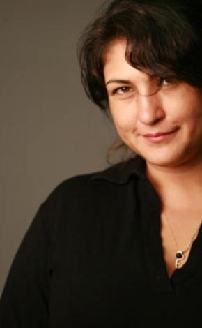 1990'larda gencecik bir kız olarak ekran macerasına başlayan Gülçin Hatıhan şimdi 38 yaşında.
