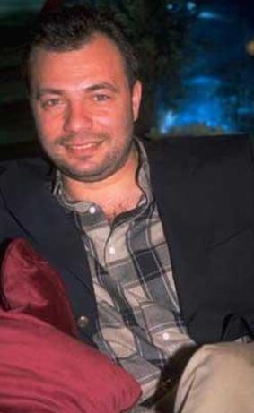 Günümüzün usta oyuncularından Oktay Kaynarca da 1990'larda sabah programı sunmuştu.