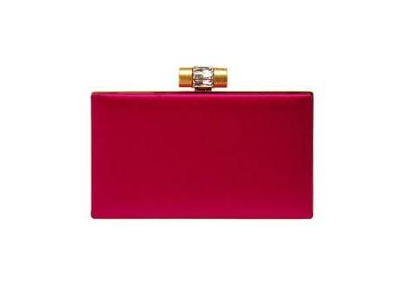 Kırmızı el çantalarını görmek için tıklayın!