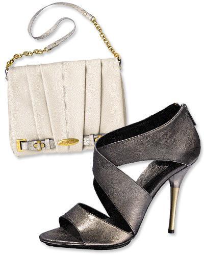 6. Brahmin beyaz, yumuşak deriden çanta ve Diane Von Furstenberg topuklu ayakkabı.