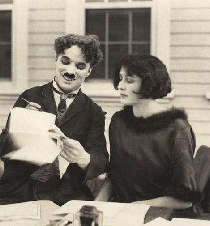 Bu aşk, Nobokov'un 'Lolita'sına esin kaynağı oldu.   İki yılda iki çocuktan sonra boşandılar.