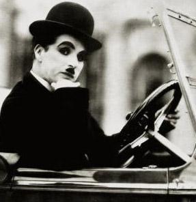 Daha bir sürü rezaletten sonra Chaplin, 53 yaşındayken 17 yaşındaki Oona O'Neill ile evlendi. Sekiz çocukları oldu.