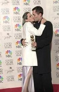 """Jolie, bunların üzerine bir de """"Görüyorsunuz kardeşimle aşk yaşıyorum"""" diyerek tuz biber ekti."""