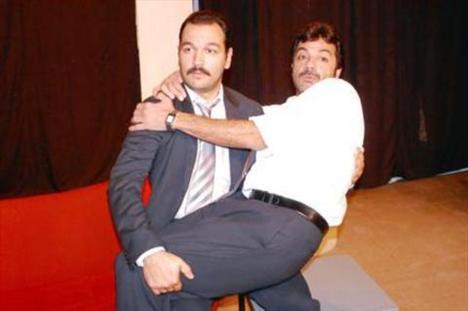 ALİ SUNAL   Yeşilçam'ın efsane oyuncusu Kemal Sunal'ın oğlu olan Ali Sunal, babasının izinden gitti...