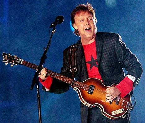 9. Paul McCartney  McCartney, efsaneler arasında fiyat olarak biraz geride. McCartney'ye gece başına ödenen fiyat 500 bin pound.