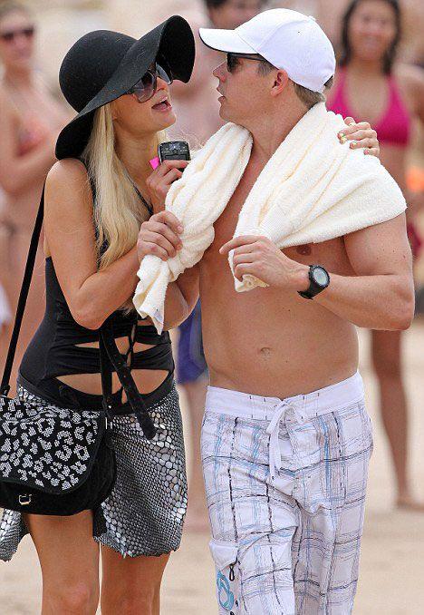 Paris Hiltonun sıcak Christmas tatili