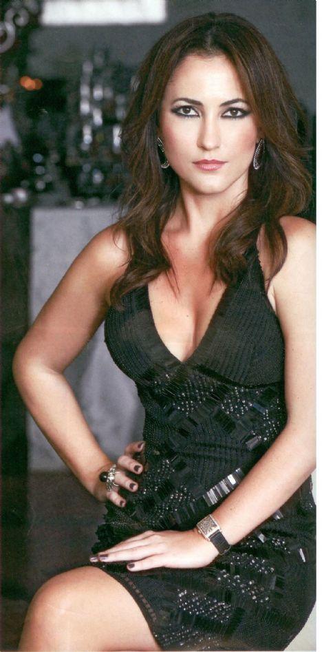 2011 yılında ailemle birlikte sağlıklı, mutlu ve huzurlu olmayı diliyorum.  Yelda Tiftik