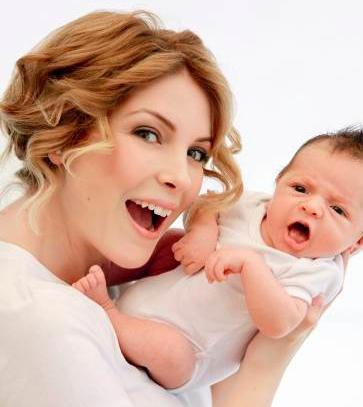 Özberk, bugün genç bir anne.