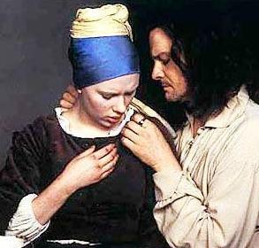 KENDİMİ KÖTÜ YAŞLI BİR ADAM GİBİ HİSSETTİM  İnci Küpeli Kız filminde Scarlett Johansson ile romantik sahnesi olan Firth şöyle anlatıyor.