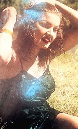 NERİMAN KÖKSAL  Yeşilçam'ın en etkileyici 'kötü kadın'larından biriydi gençliğinde..