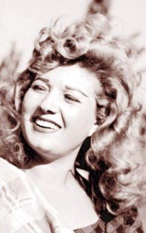 Bir çok unutulmaz filmde rol aldı.. Daha sonra TV dizilerinde de rol aldı.   Yaşı ilerledikçe görmüş geçirmiş anne rolleri üstlendi.