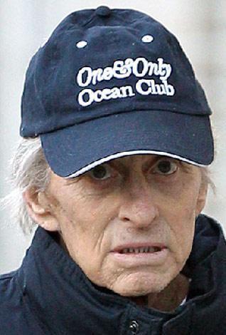 Ünlü oyuncu Michael Douglas'ın kanserle savaşı.