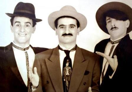 ONLAR EĞLENCE PROGRAMLARININ VAZGEÇİLMEZLERİYDİ  Komedi Dans Üçlüsü 1980'lerde ve 90'larda eğlence programlarının vazgeçilmezlerindendi..