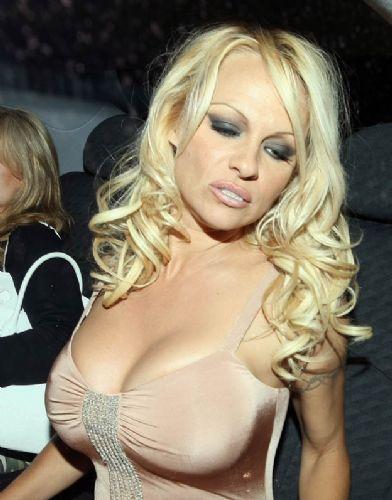 Pamela Anderson'dan en seksi pozlar... - 133