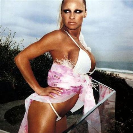 Pamela Anderson'dan en seksi pozlar... - 174