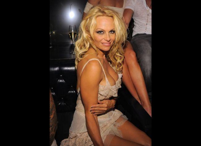 Pamela Anderson'dan en seksi pozlar... - 40