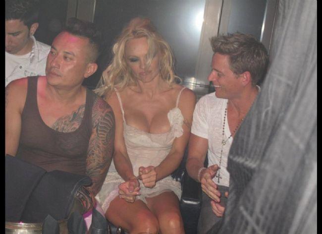 Pamela Anderson'dan en seksi pozlar... - 45