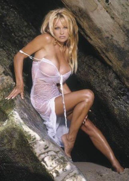 Pamela Anderson'dan en seksi pozlar... - 193