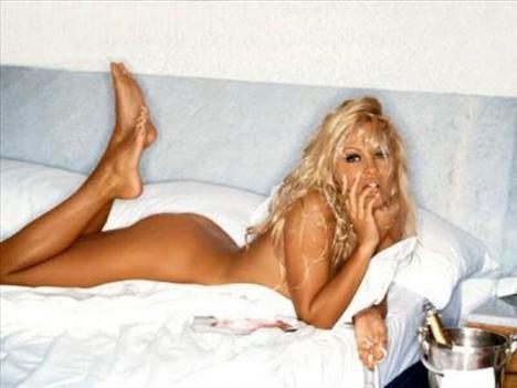 Pamela Anderson'dan en seksi pozlar... - 200