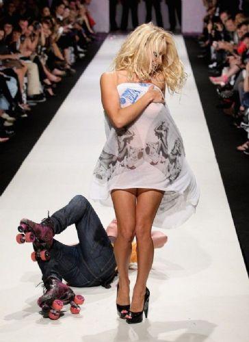 Pamela Anderson'dan en seksi pozlar... - 206