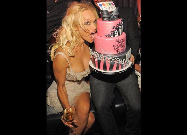 Pamela Anderson'dan en seksi pozlar... - 41
