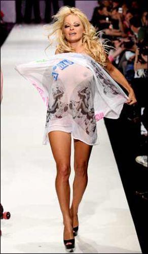 Pamela Anderson'dan en seksi pozlar... - 230