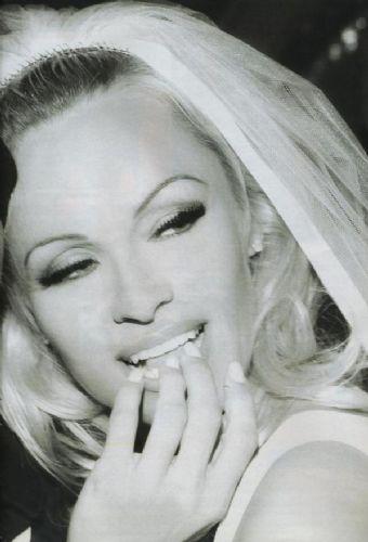 Pamela Anderson'dan en seksi pozlar... - 233