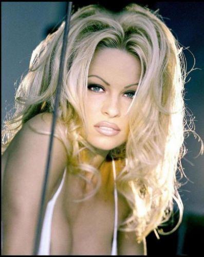 Pamela Anderson'dan en seksi pozlar... - 240