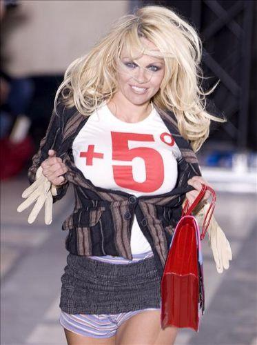 Pamela Anderson'dan en seksi pozlar... - 262
