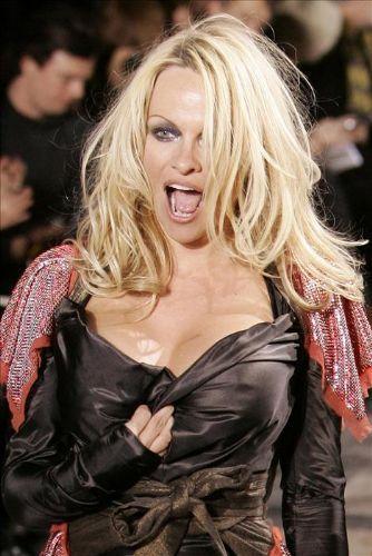 Pamela Anderson'dan en seksi pozlar... - 266